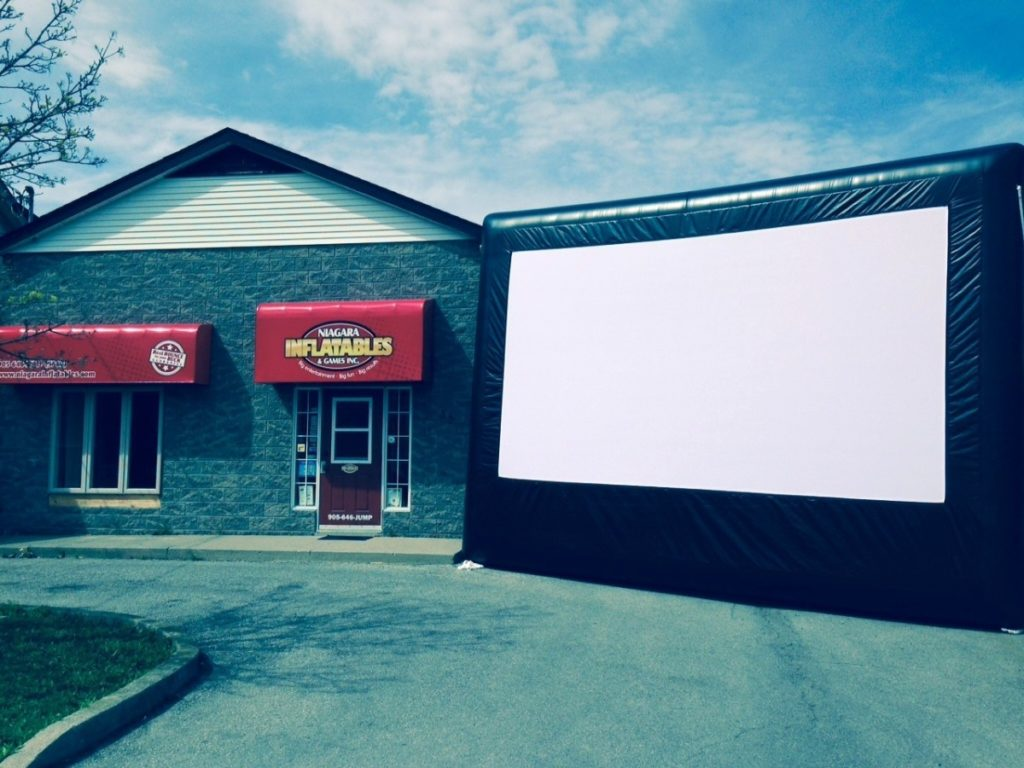 20′ Inflatable Movie Screen